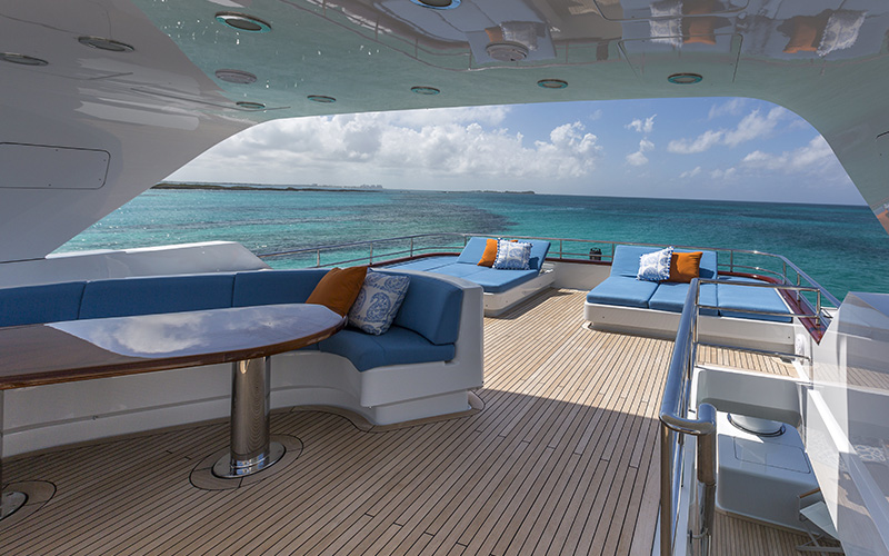 Yacht Varnish Service